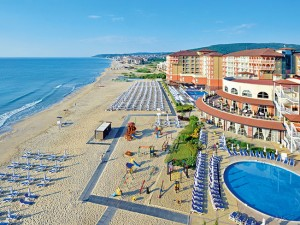 """Šeimos poilsis Bulgarijoje liepos mėnesį – """"SOL LUNA BAY RESORT"""" viešbutyje ant jūros kranto!"""